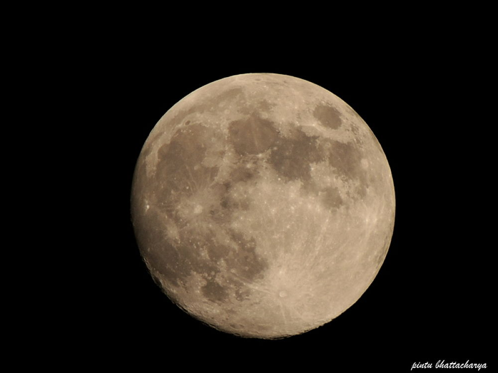 moon by pintubhattacharta