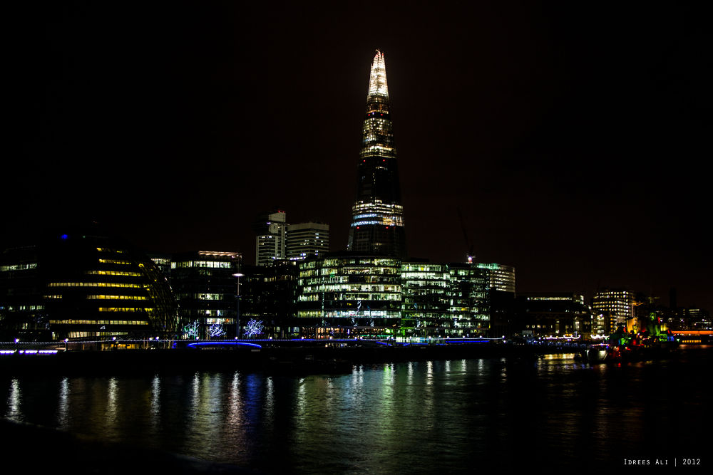 Thames River  by Idrees