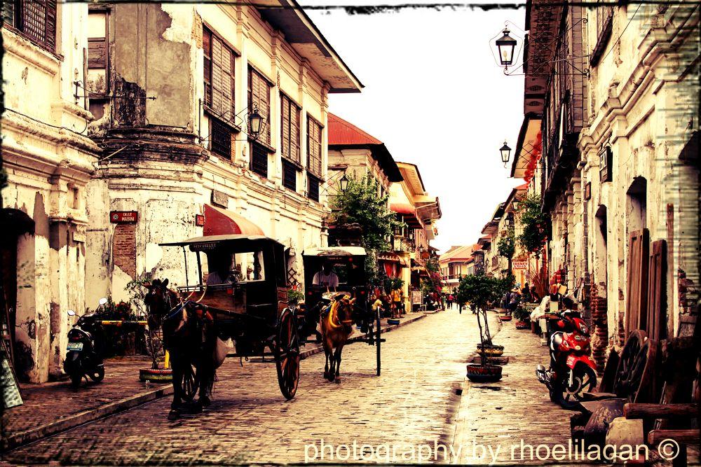Calle Crisologo, Vigan, Ilocos Sur, Phils by RHOEL ILAGAN
