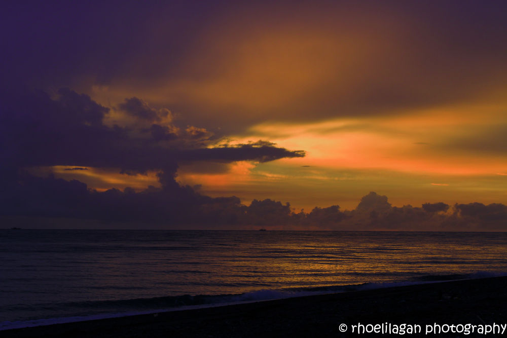 Sunset after the rain, San Jose, Occidental Mindoro, Phils  by RHOEL ILAGAN