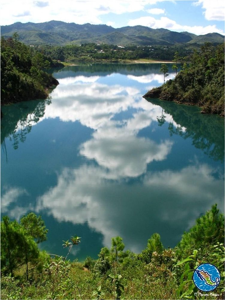 Montebello Lakes by El Planeta México