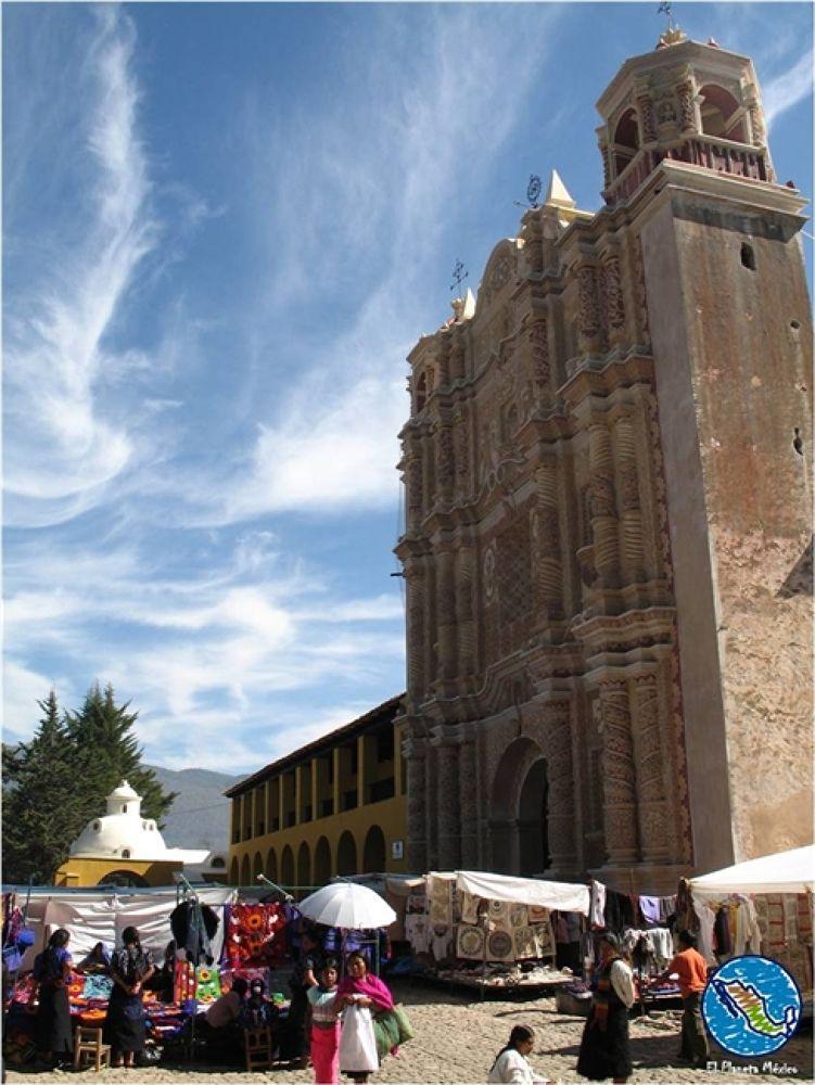 Santo Domingo Church by El Planeta México