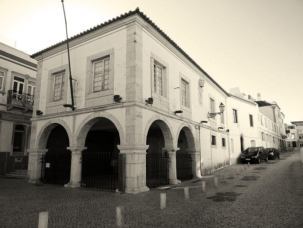 Mercado dos escravos- Lagos - Algarve - Portugal by Jose Simoes