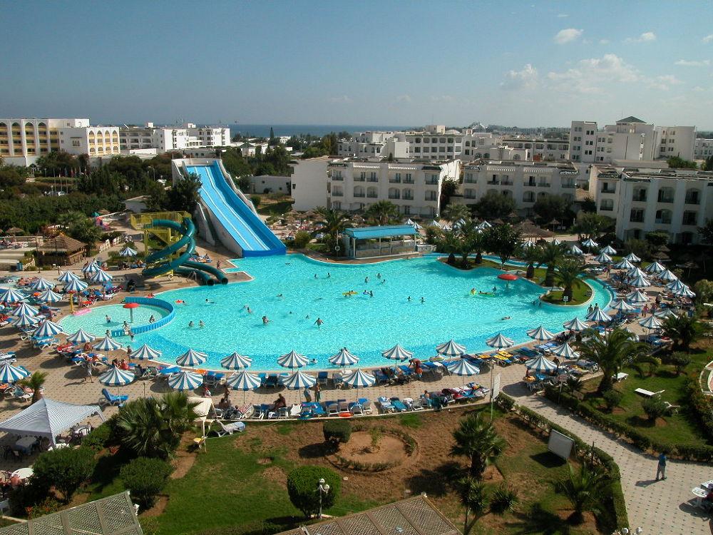 Pool by tijanihochlaf