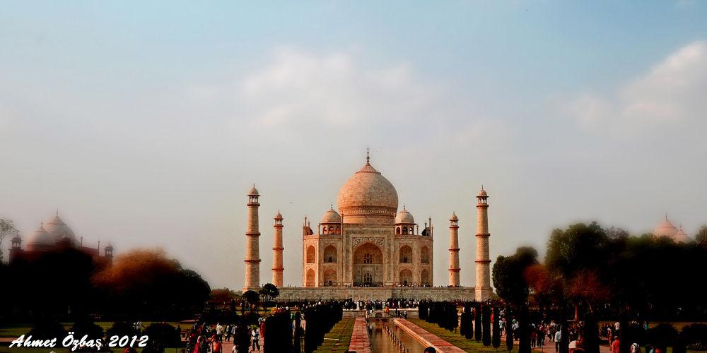 Taj Mahal by Tema