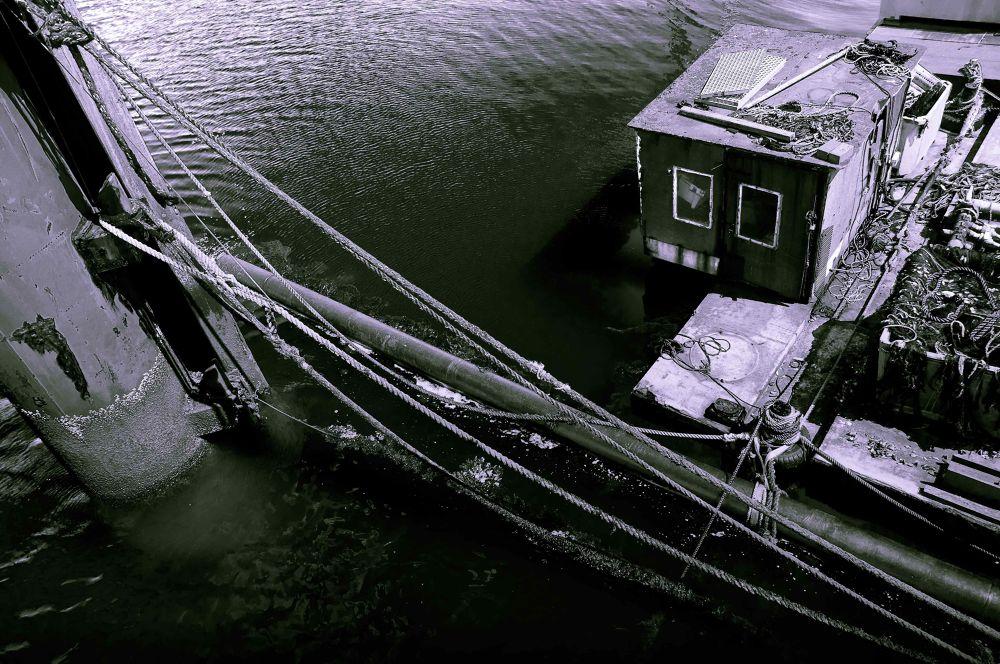 Oisterboat by Sonja Pixels