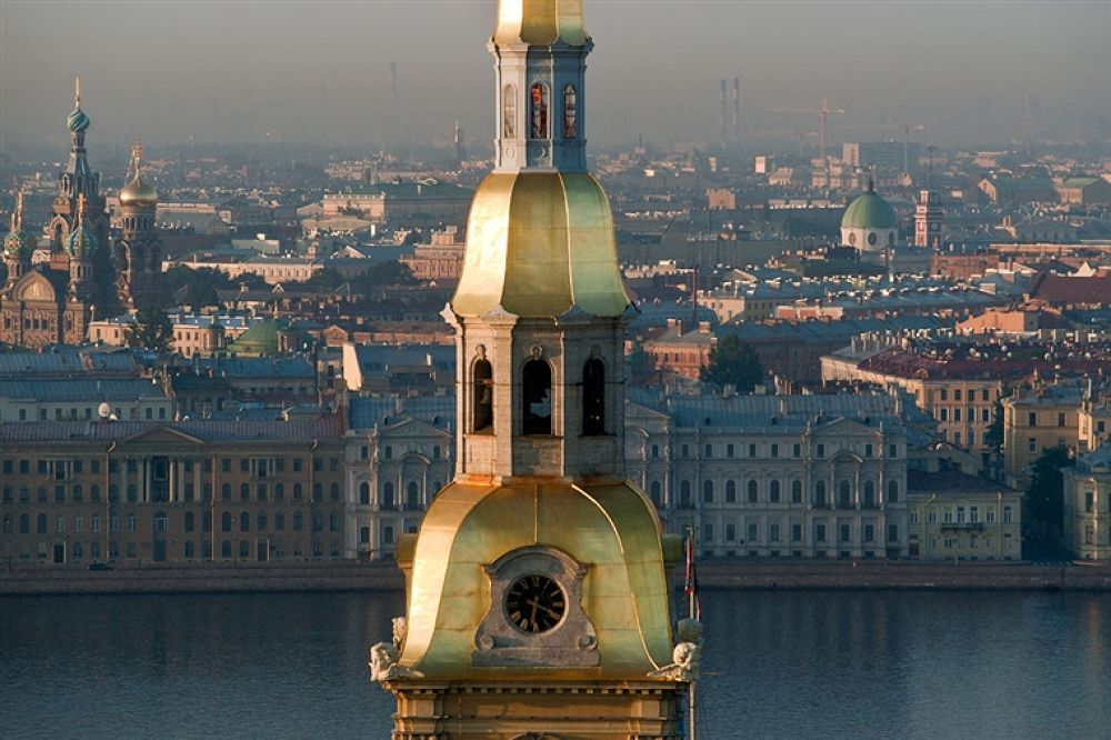 The gilt spire of the Sts Peter and Paul Cathedral by travelpic