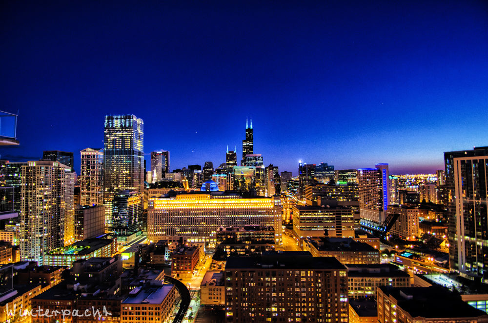 Chicago Nightscape by Raf Winterpacht