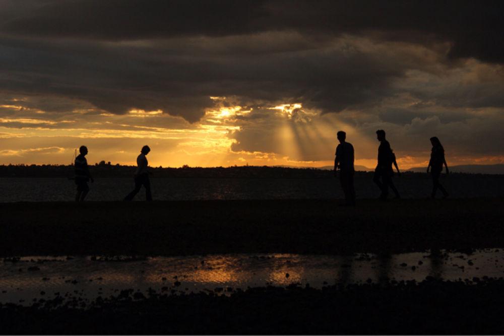Crossing paths by Krishnan Vaitheeswaran
