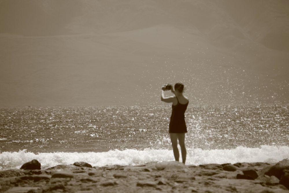 Capturing the waves by Krishnan Vaitheeswaran