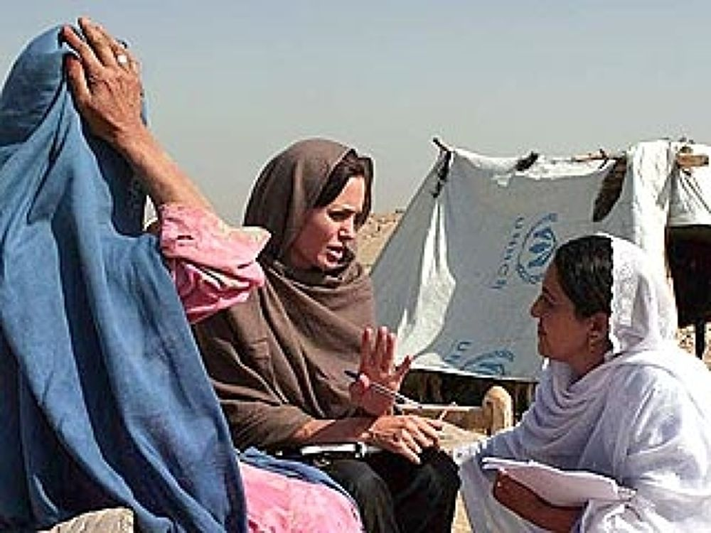angelina_jolie320afghanistan102908 by mussawi