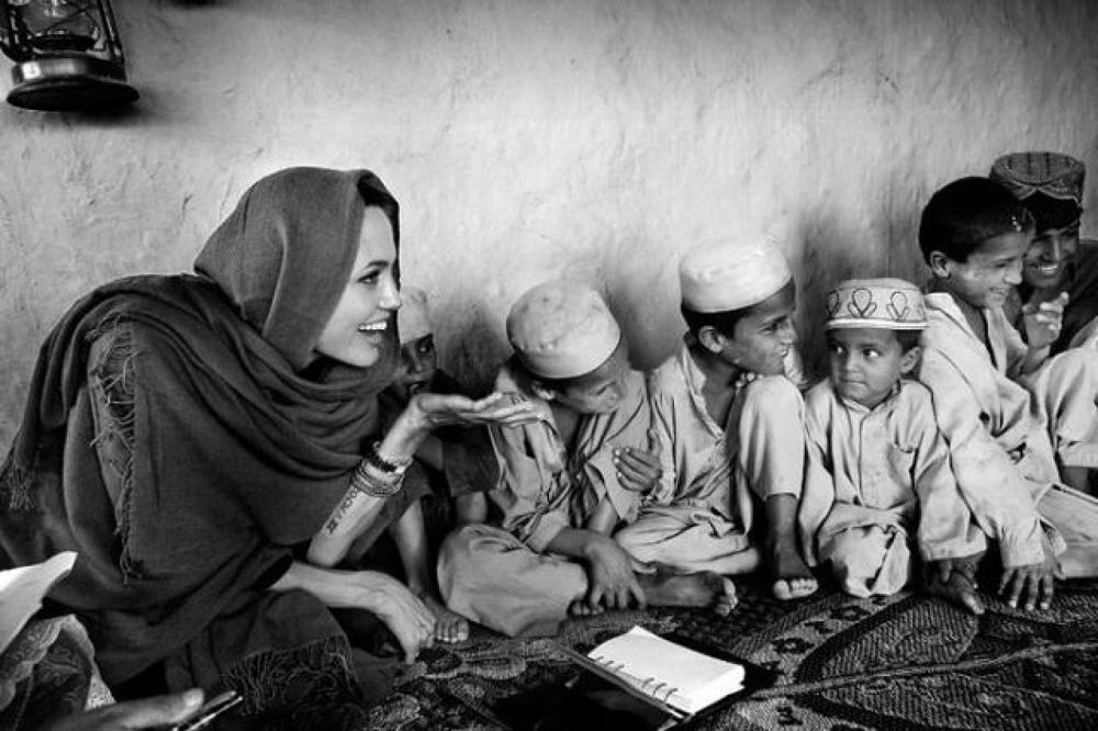angelina_jolie_afghanistan_00 by mussawi