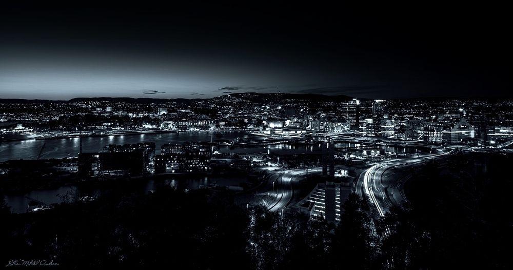 Oslo City By Night (B&W) by Lillian Molstad Andresen