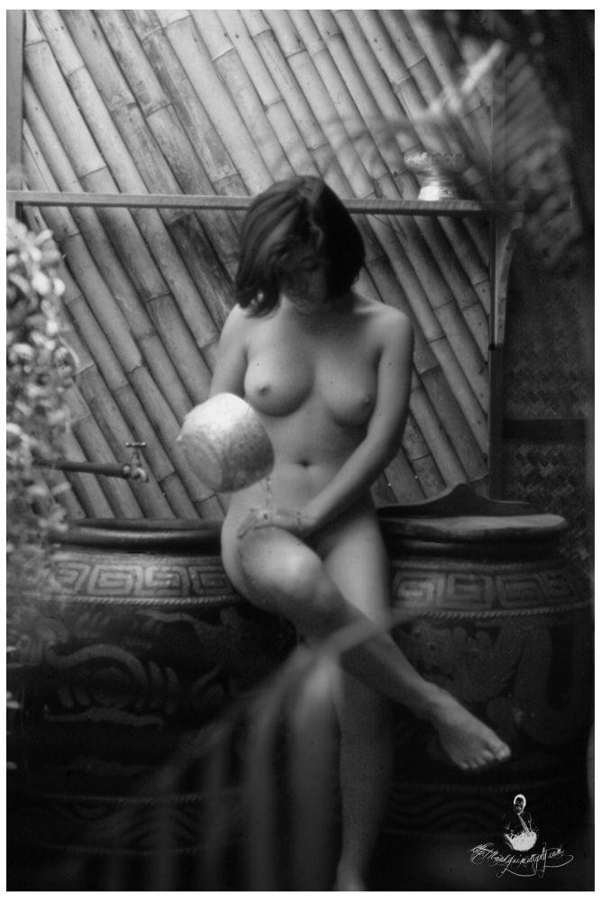 Nude (6) by bookyui