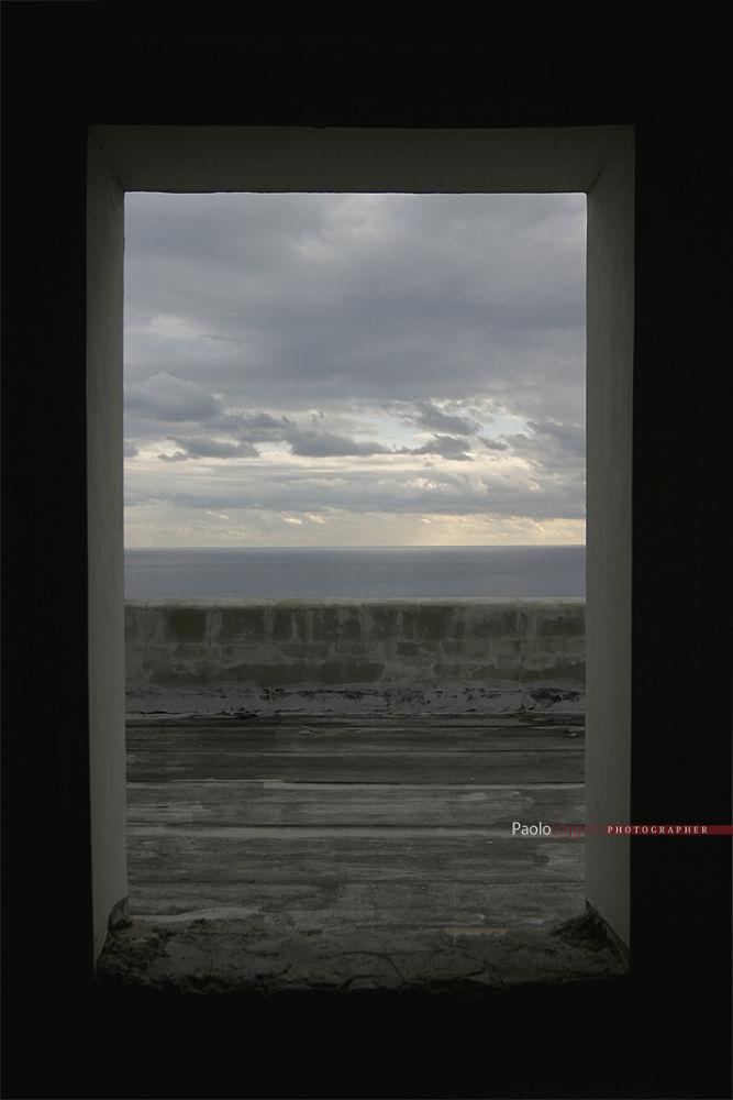 dalla finestra ...un anno dopo by Paolo Liggeri