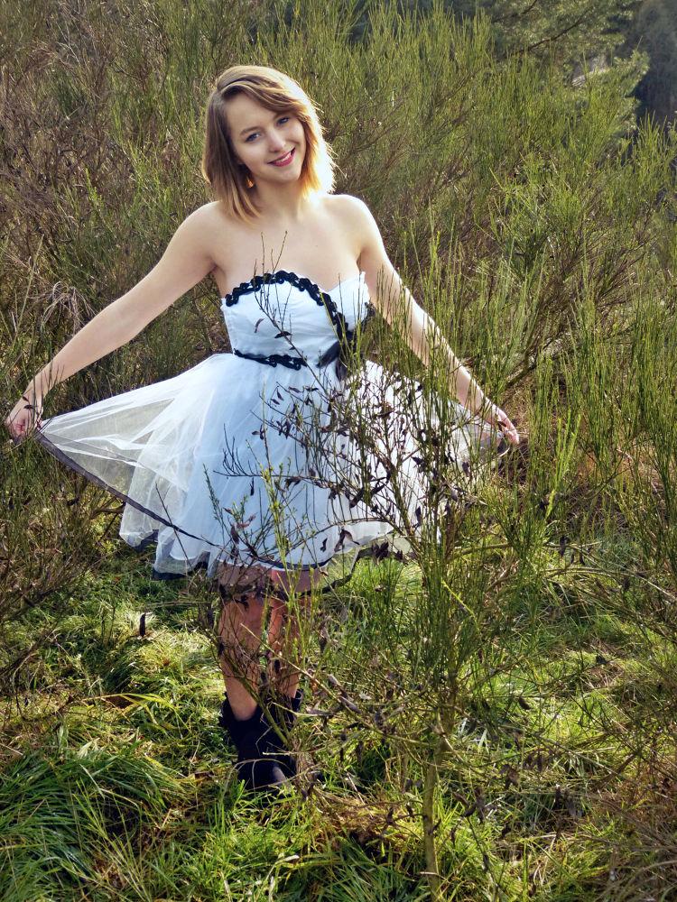 Girl with white dress by Vyserka