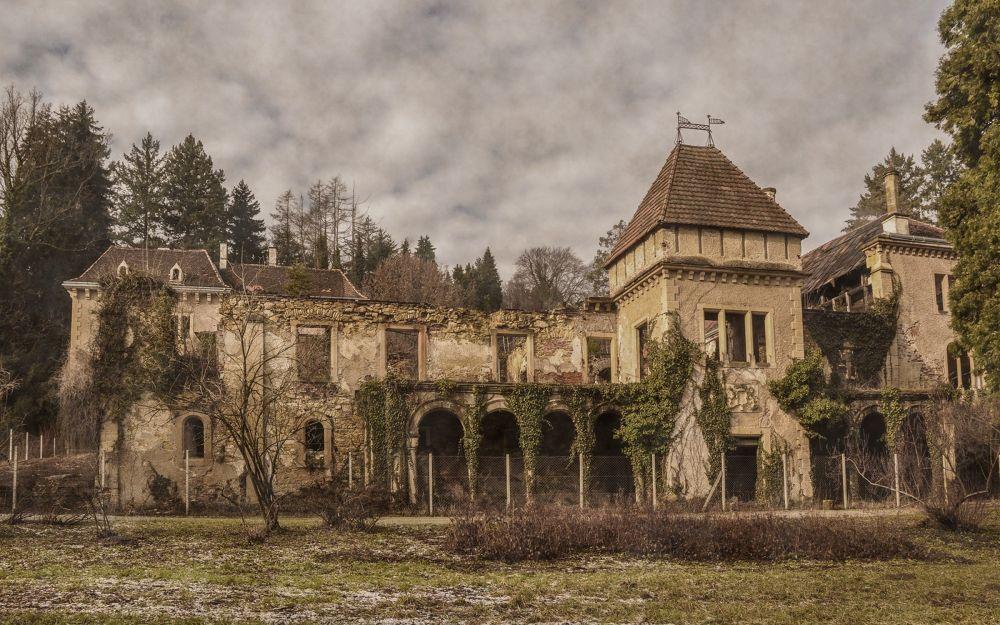 old castles - Opeka, Vinica by Vlado Ferencic