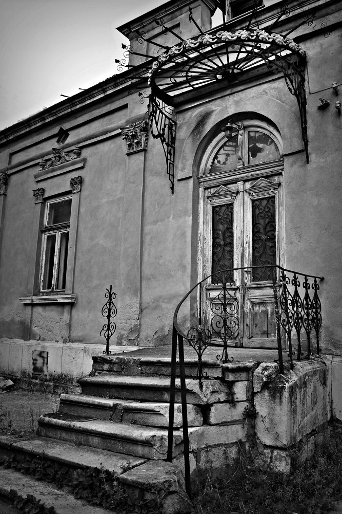 Photo in Black and White #black #white #abandoned #house