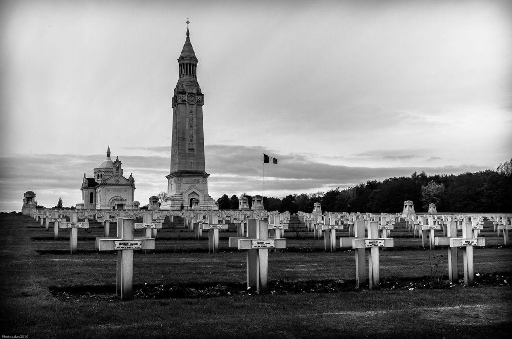 _DSC0052..Notre Dame de Lorette by photosdan