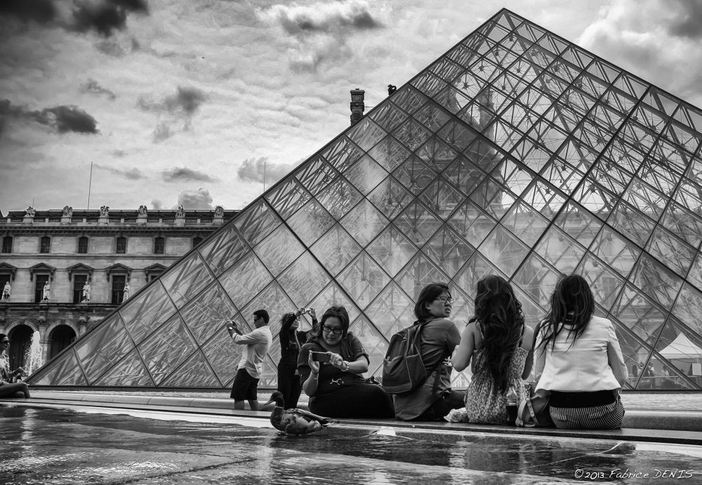 Paris - Duck in the Louvre Pyramid by Fabrice Denis Photography
