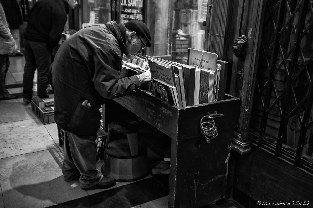 Photo in Street Photography #street #streetphotography #blackandwhite #paris