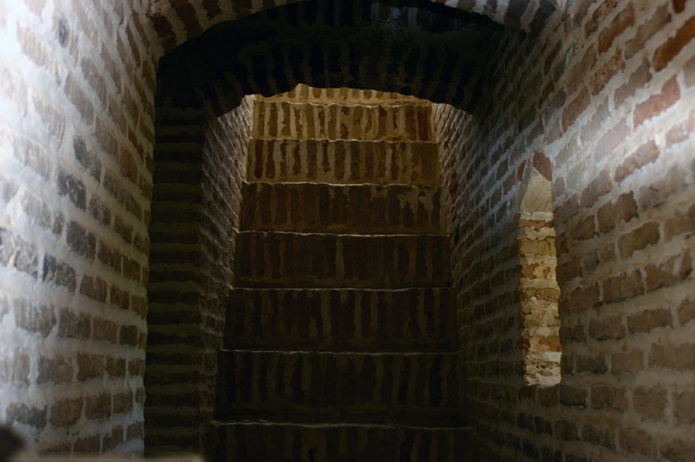 crypt by sahoora83