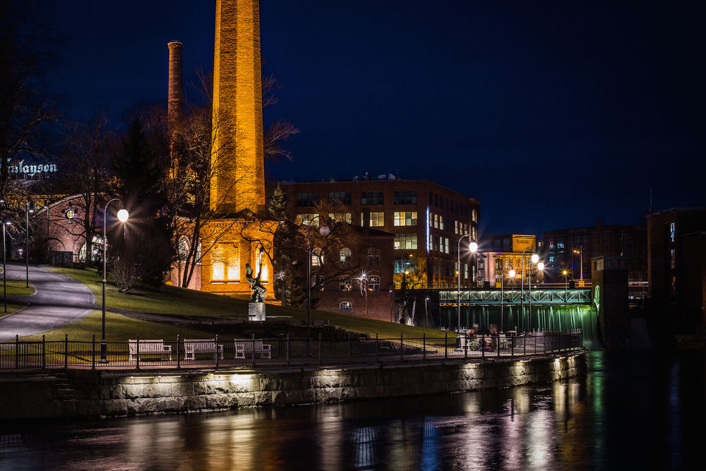 Tampere in the evening light.... by SakariPartio