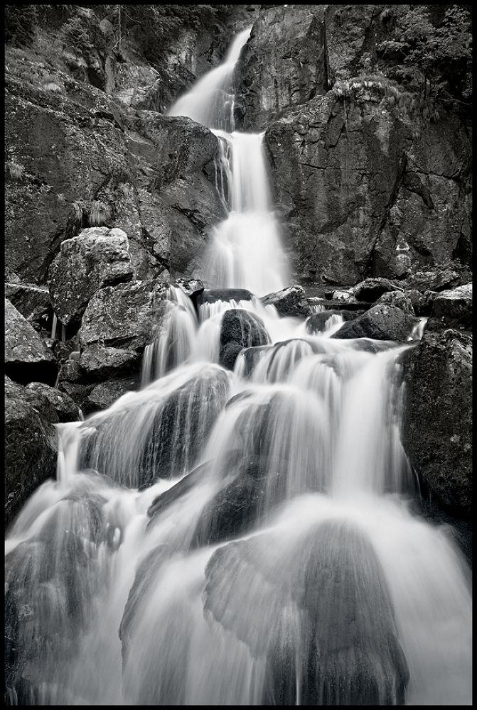 waterfall by zsoltandrasszabo