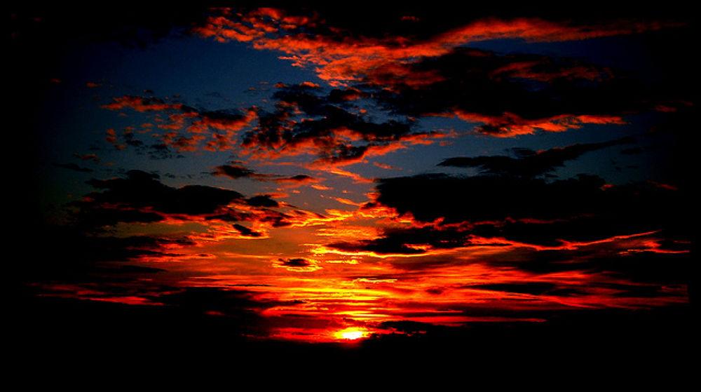sunset by LindaStrafino