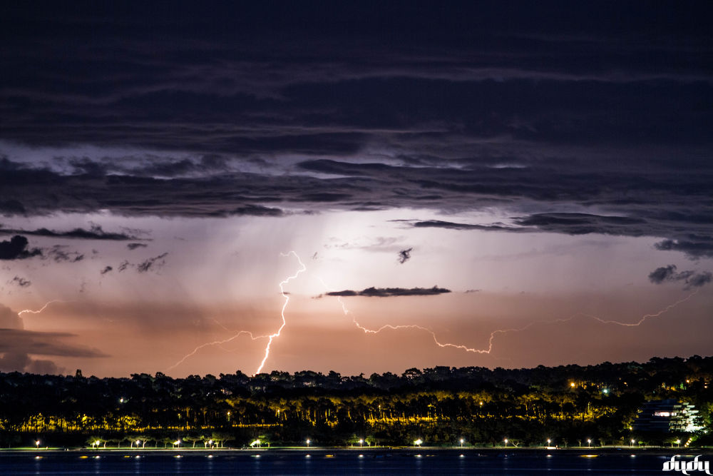 lightning by DuDu2300