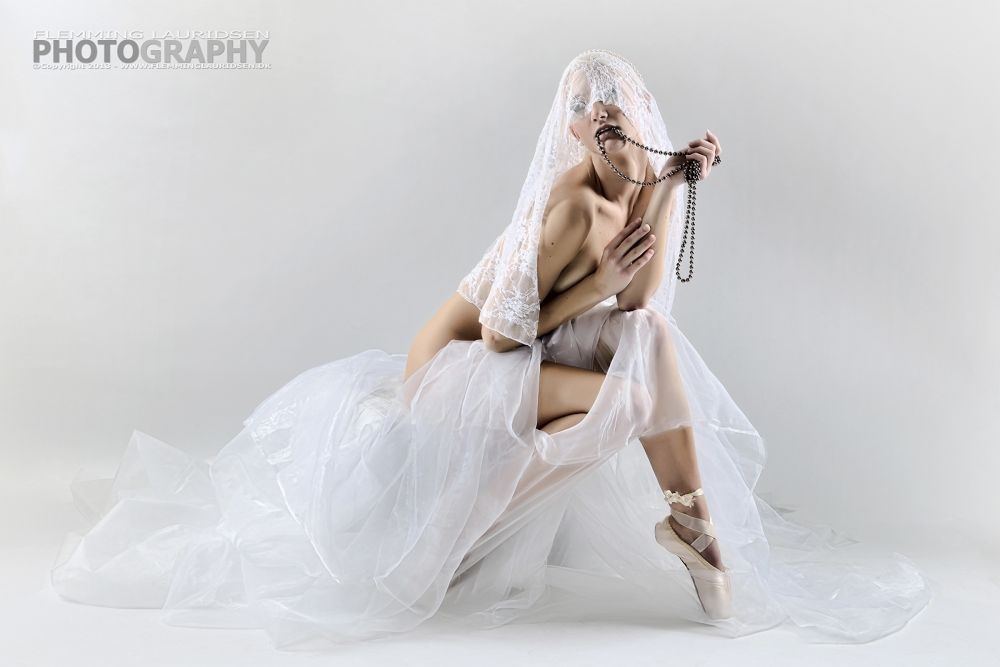 The sensual ballet dancer_I by Flemming Lauridsen