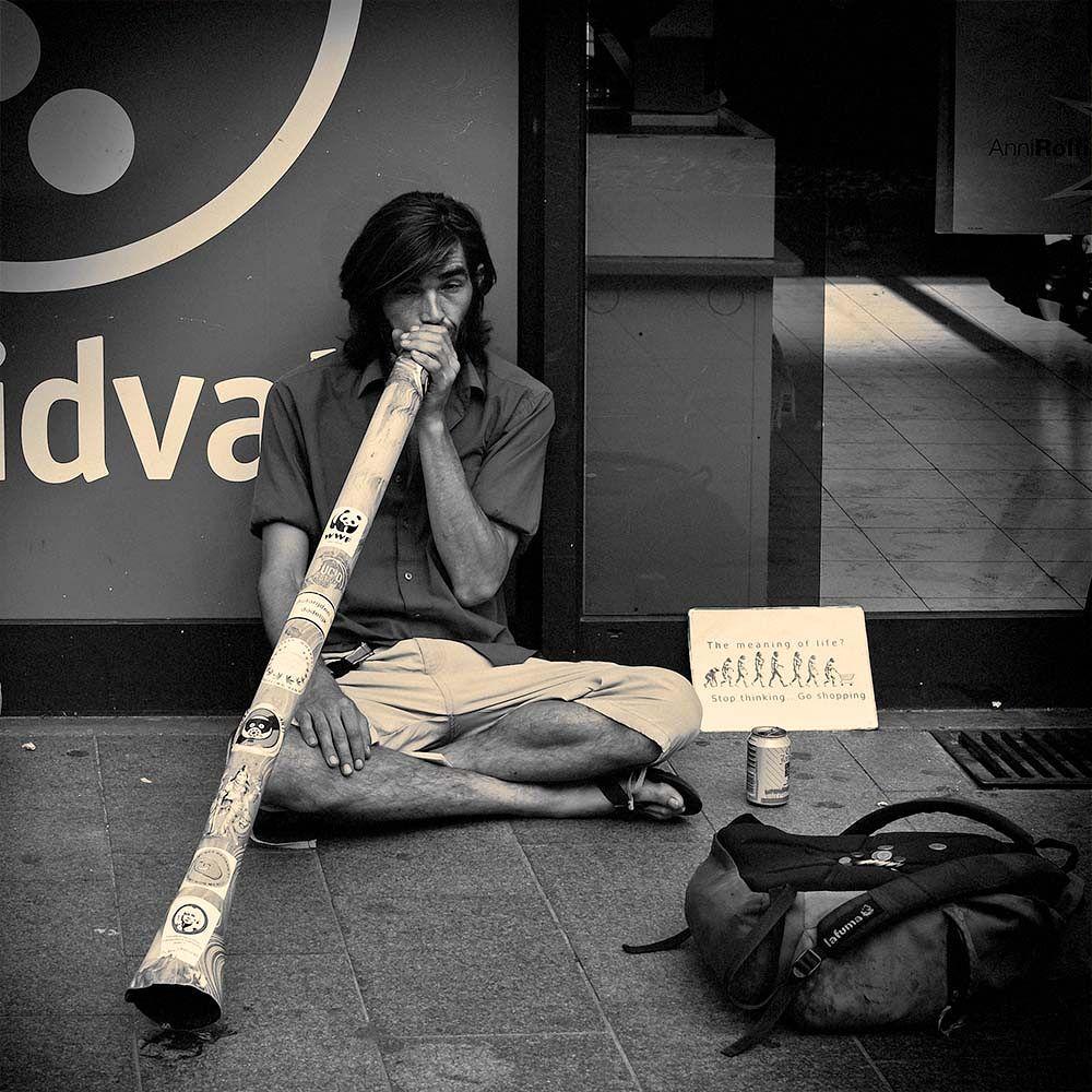 Didgeridoo player by CorH