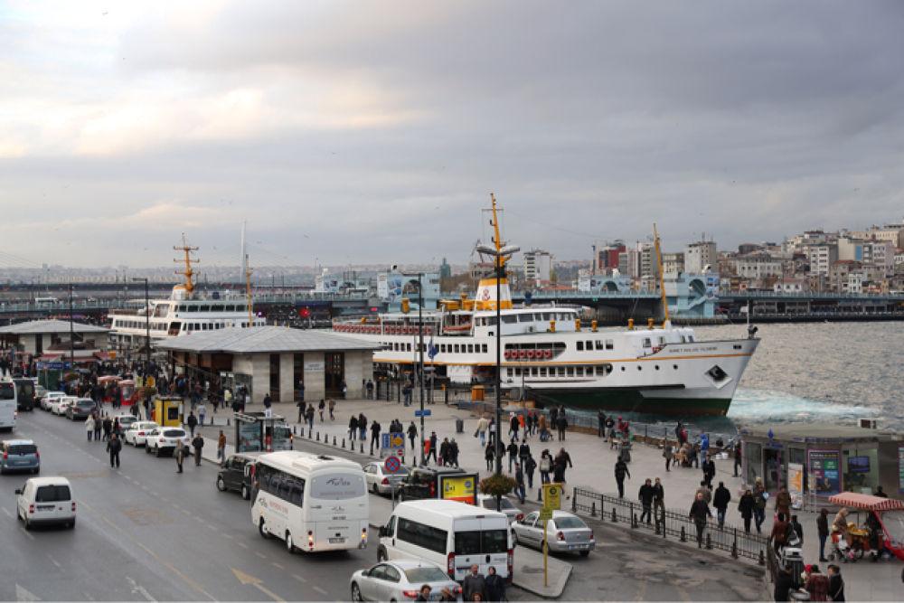 A Busy City Scene (Sirkeci / Istanbul) by Atila_Yumusakkaya