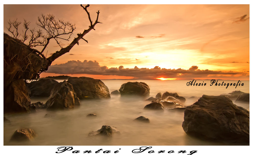 PANTAI SORONG by alexirawan1