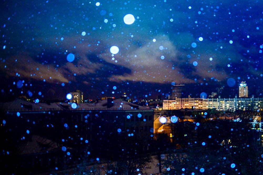 Snow in the city by alekseytudakov