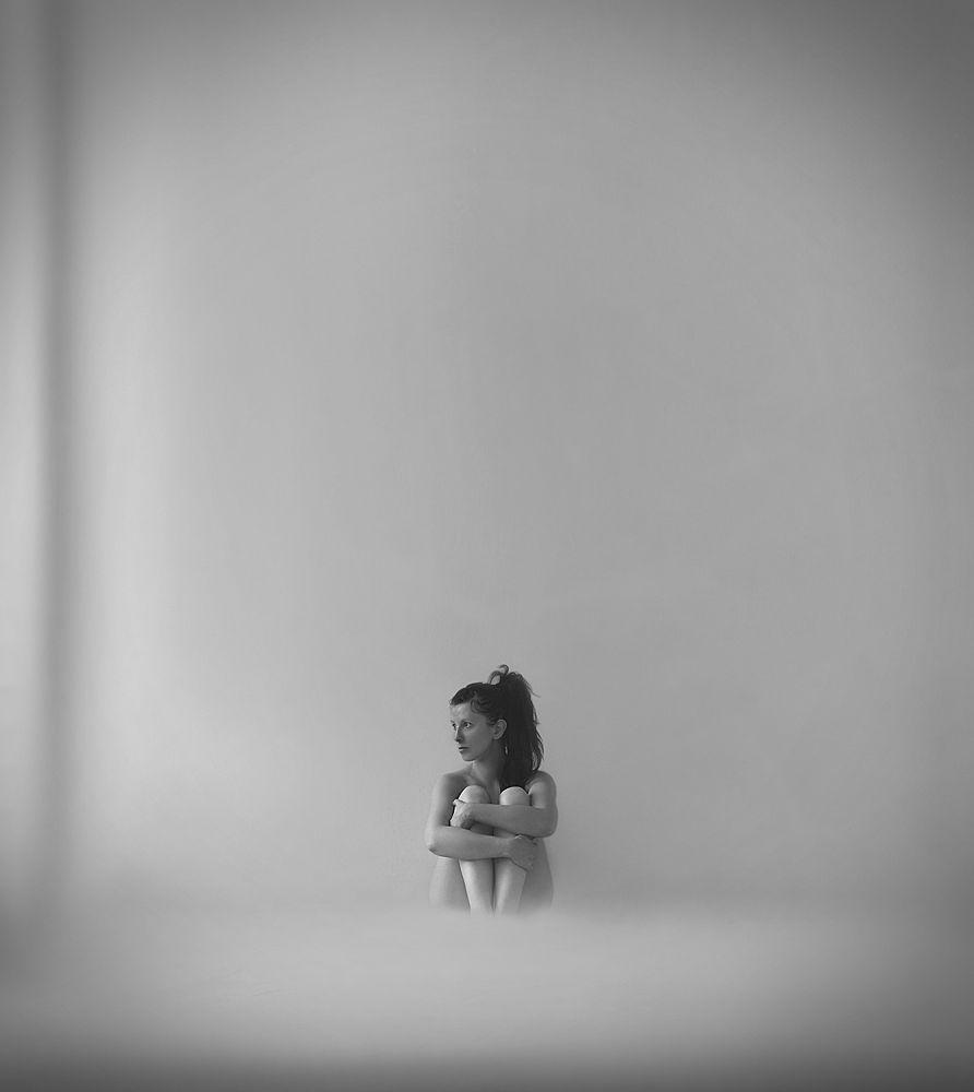 desolat - (just a self portrait) by LottavanDroom