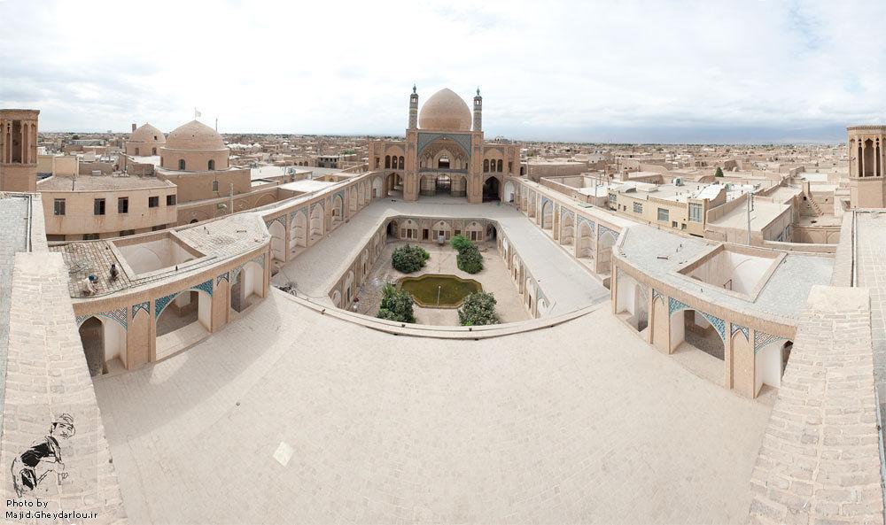 agha bozorg mosque by Majid