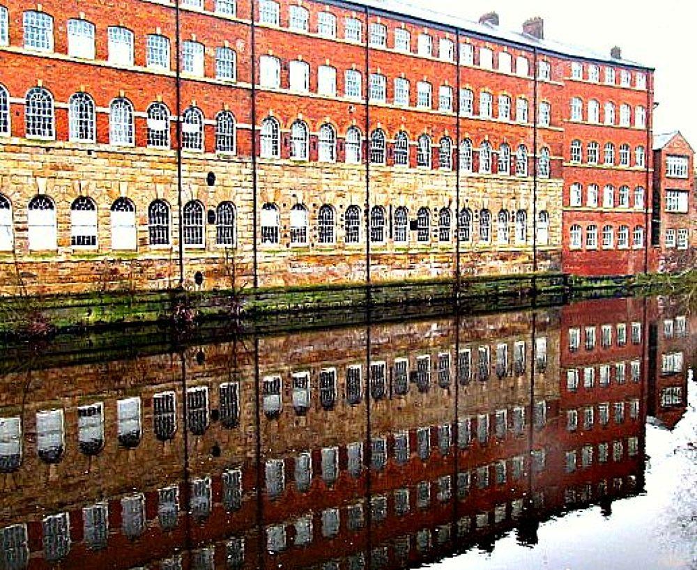 Building Reflect. by gordonwestran
