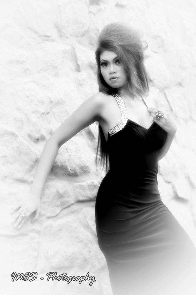 10541_4793177318531_501401764_n.jpg by Inos_Photography