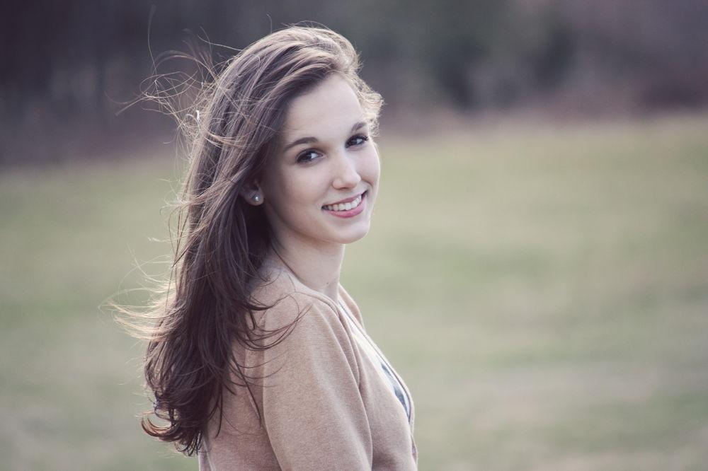Smile. by nikitatomanova
