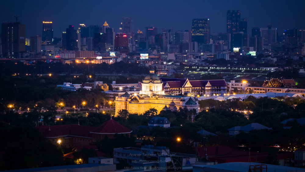 The Ananta Samakhom Throne Hall by Gift_of_Light