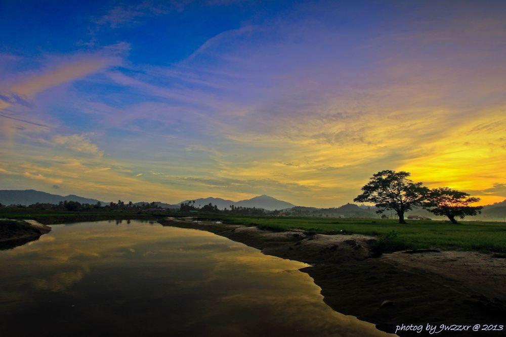sunrise by 9w2zxr