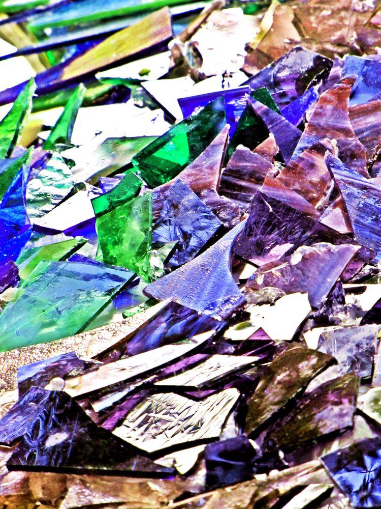 Broken glass. by frankverhoeven1