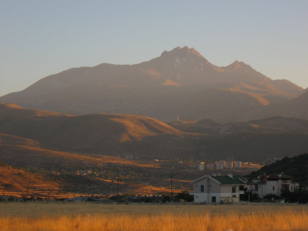 erciyes mountain by mrahturan