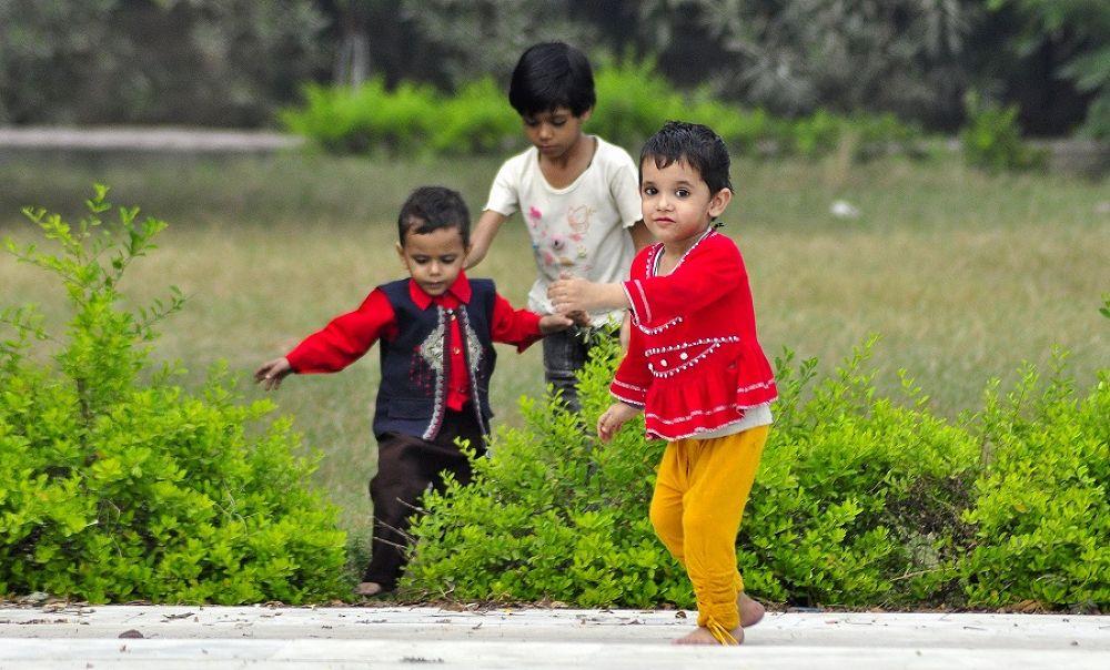 Photo in Random #india #child #children #plants #gerrn #red