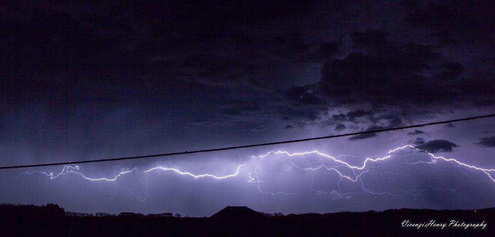 Storm by henryvicenzi