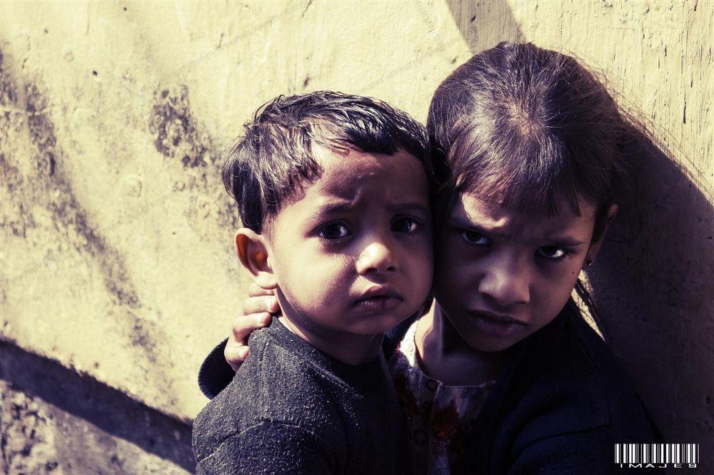 two kids by imAJes