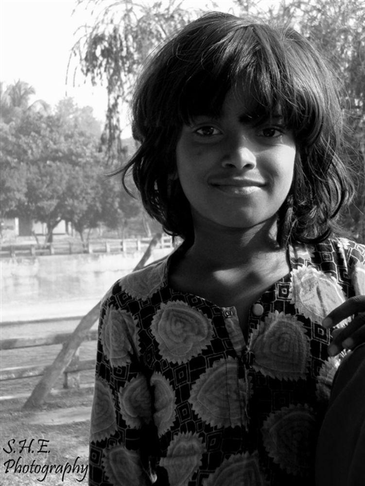 SHE Photography portrait1 by emonsam