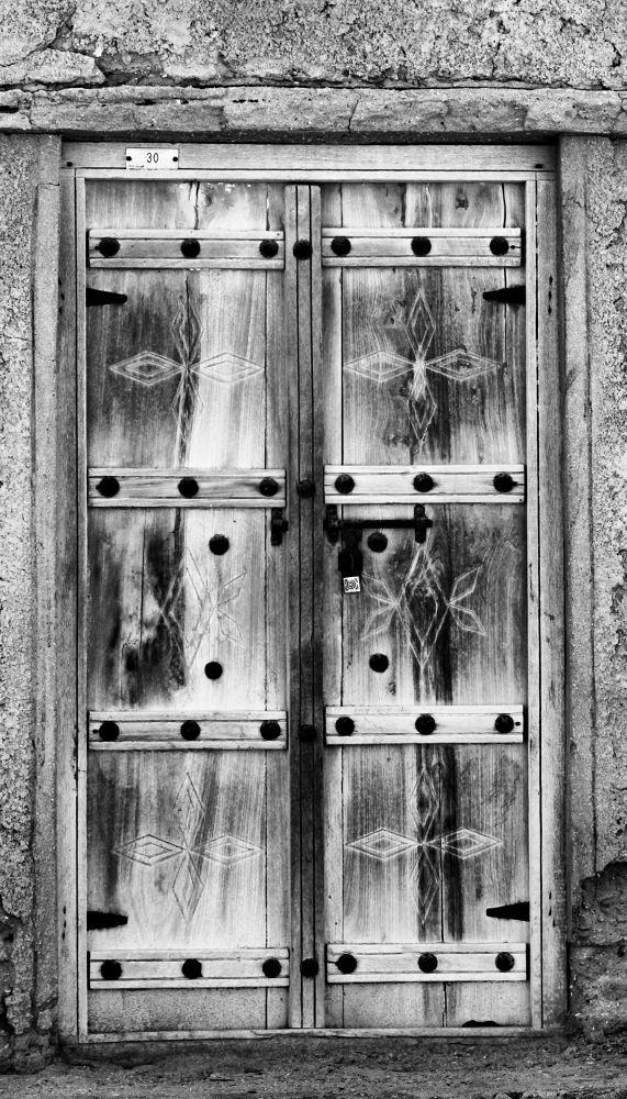 Old door by Humoud Al-Shukeiry