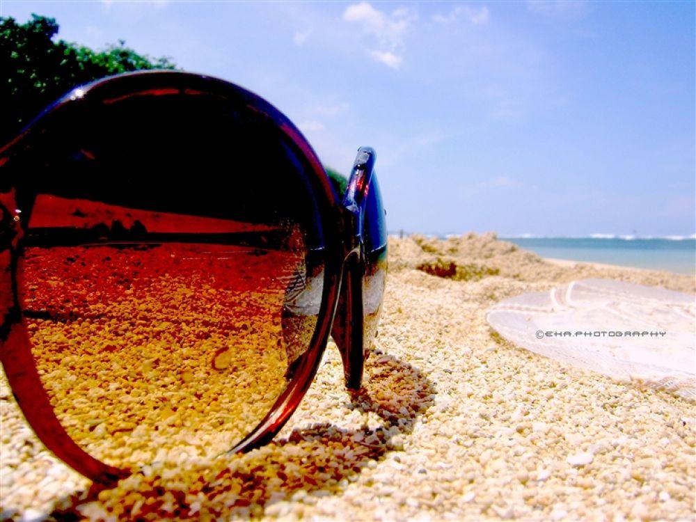 sunglasses by ekachrisandi
